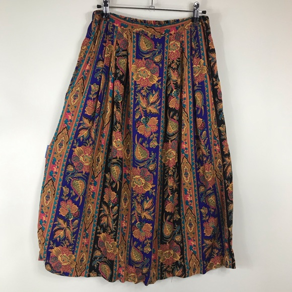 New Name in Town Dresses & Skirts - VINTAGE | Floral Leaf Print A Line Skirt